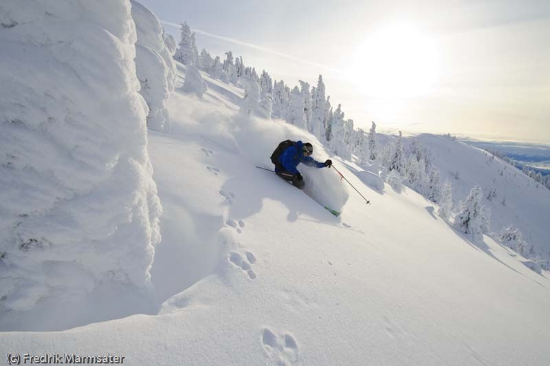 Skiing-Deep-Snow-2