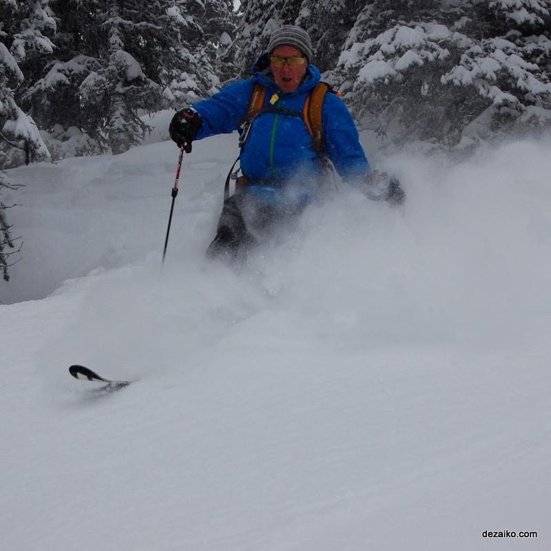 dezaiko_winter_ken_skiing