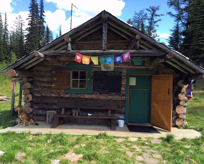 Diana-Lake-Lodge-Main-Cabin-2