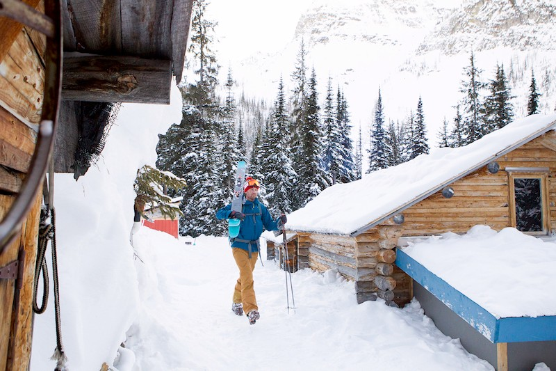 WINTER_BOULDER_HUT