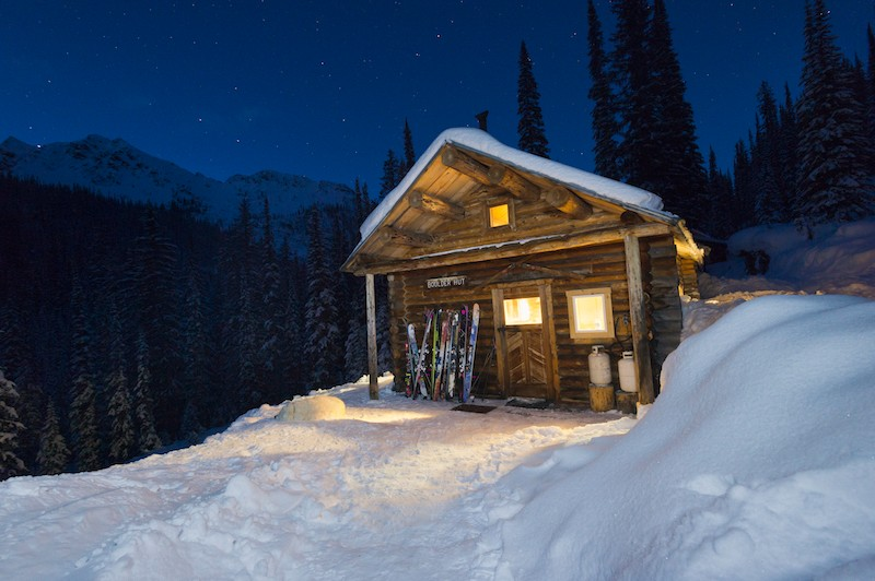 WINTER_BOULDER_HUT_LODGE