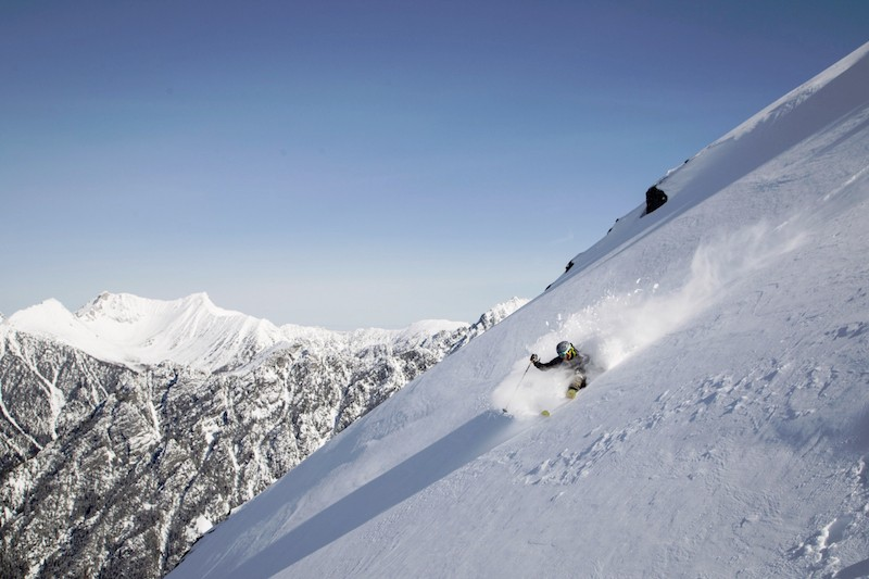 WINTER_BOULDER_HUT_STEEP