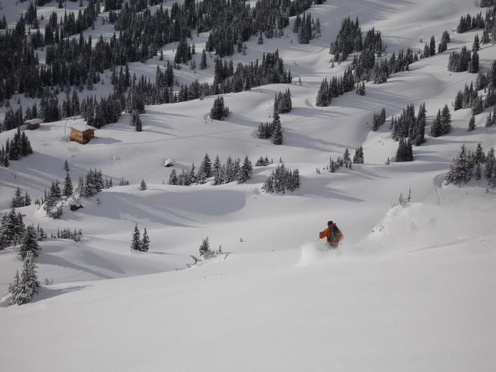 Valkyr-Lodge-winter